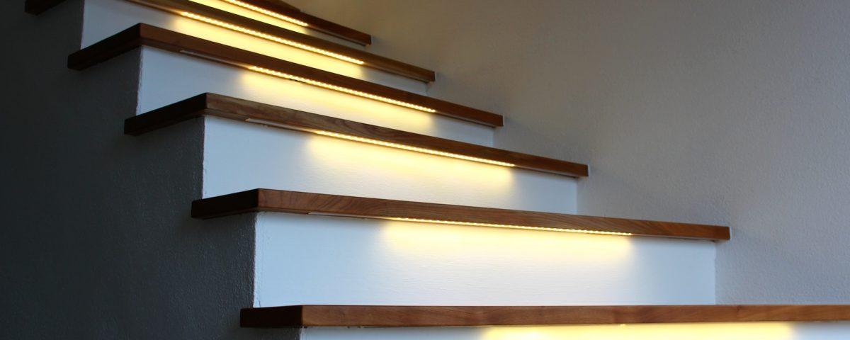 Nogi drewniane balustrady i poręcze drewniane Tralki drewniane